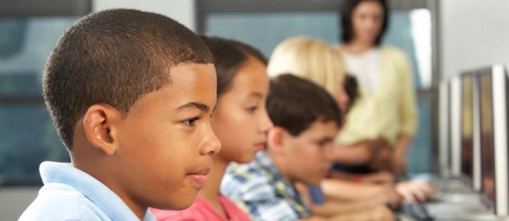 ISP-Majalengka-Mentari-Cara-Lindungi-Anak-di-Bawah-Umur-dari-Pengaruh-Buruk-Internet-725x315