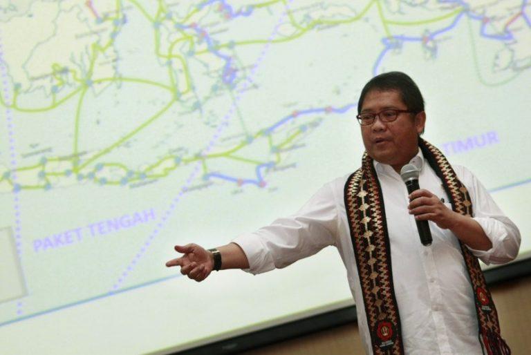 ISP-Indramayu-Mentari-menkominfo-rudiantara-menyampaikan-pandangannya-saat-menjadi-pembicara-pada-seminar-768x514